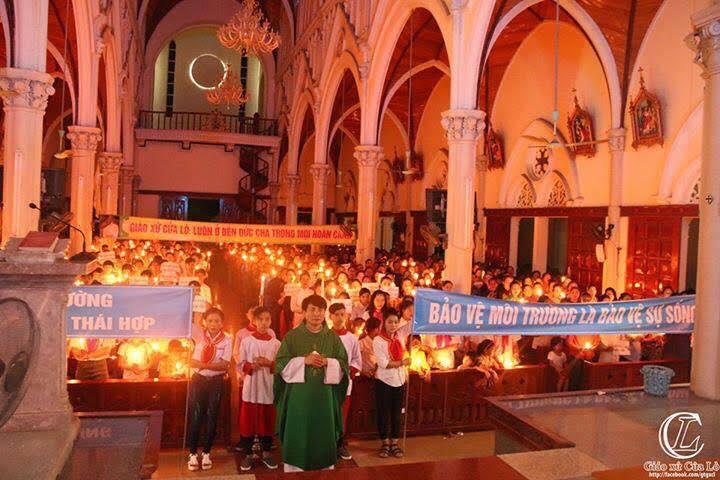 Đêm thánh lễ trước ngày thực hiện - Một ngày vì môi trường (ảnh; Facebook Huỳnh Quốc Huy)