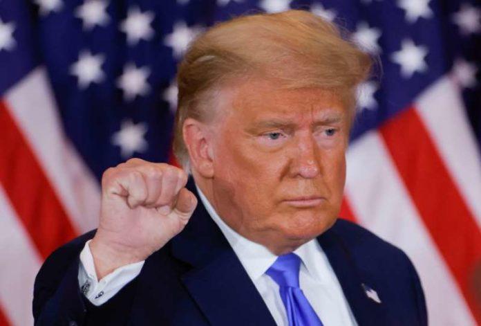 Thăm dò Reuters: Đa số dân chúng Mỹ phản đối tuyên bố chiến thắng của Trump