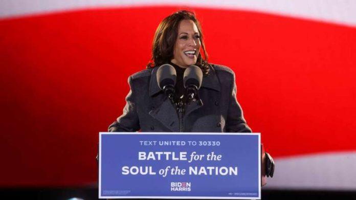 Kamala Harris làm nên lịch sử với tư cách nữ phó tổng thống đầu tiên