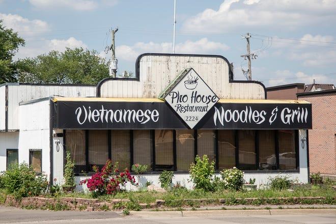 Nhà hàng bị quấy rối vì tin đồn 1fdbf407-748a-4b94-a79f-c799c90a30f1-06112021_phohouse-1-1